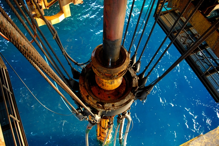 Deep water riser tensioner, Noble Paul Romano On contract